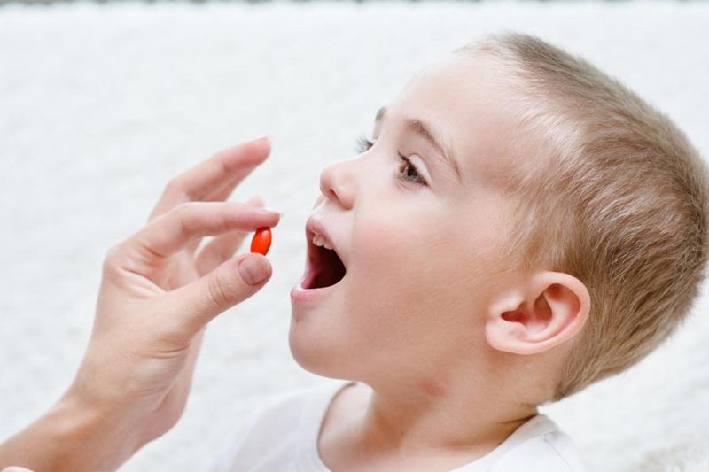 Cần lưu ý khi dùng kháng sinh cho bé