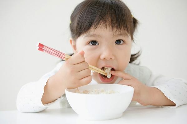 Thực phẩm dinh dưỡng góp phần cho bé phát triển