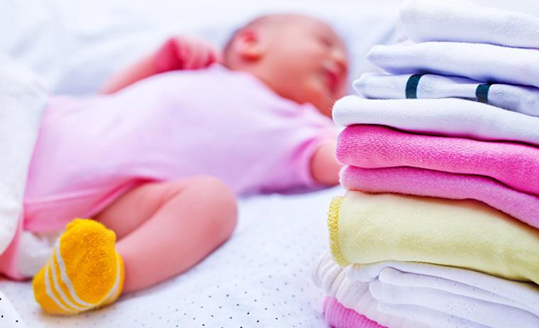 Hương thơm từ nước giặt cũng gây tác động đến làn da nhạy cảm của bé