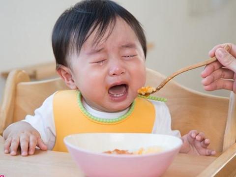 Trẻ ngày càng biếng ăn dù cha mẹ học đủ kiểu nuôi con trên mạng - Sức khỏe - Việt Giải Trí
