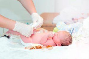 tắm cho bé sơ sinh 3