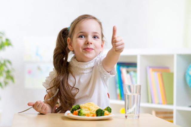 Chuyên gia gợi ý chiến lược dinh dưỡng để con cao lớn, khỏe mạnh | Bé Tự Lập