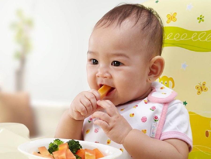 Mẹ nên cho trẻ 9 tháng ăn gì để phát triển khỏe mạnh và thông minh nhất?