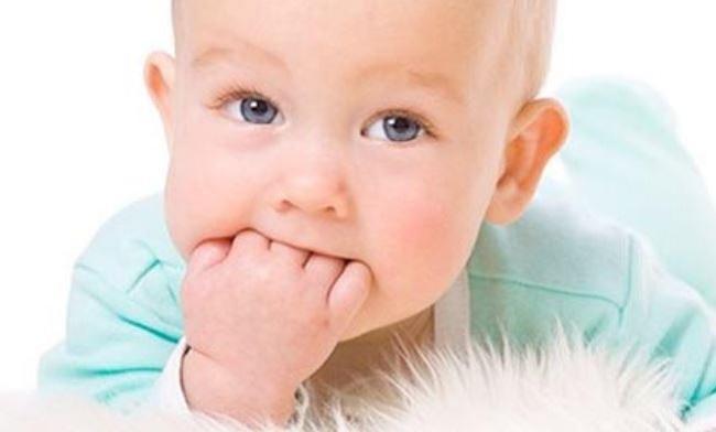 Bật mí 10 mẹo giúp bé hết mút tay ngay lập tức mẹ nên áp dụng