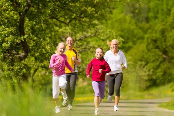 Vận động kích thích xương không ngừng gia tăng vệ độ dài lẫn bề dày